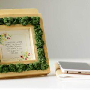 Moss Living frame 02